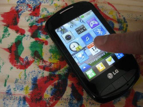 touchscreen Tracfone, is also capable of running Java applications
