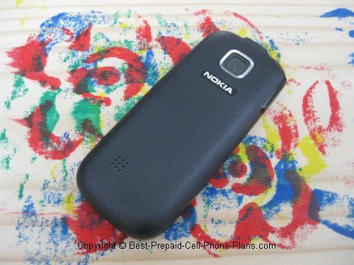 Nokia 2330 back with camera lens