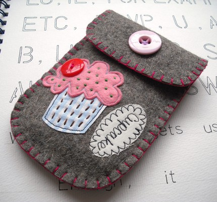 cupcake cell phone pouch