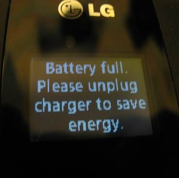 LG 440g External screen fully charged while phone is off.